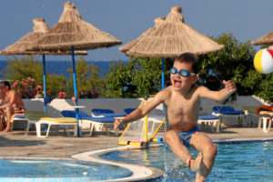 2005: Hotel Alexander Beach: stundenlang waren wir im Pool :-)
