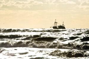 2006: Fischerboot im Gegenlicht ;-)