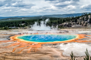 21.7.2014 Midway Geyser Basin - Grand Prismatic Spring, vom Overlook aus.