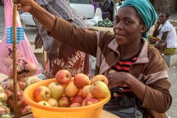 22.-24.7.: Rundu, 80T Einwohner - Markt
