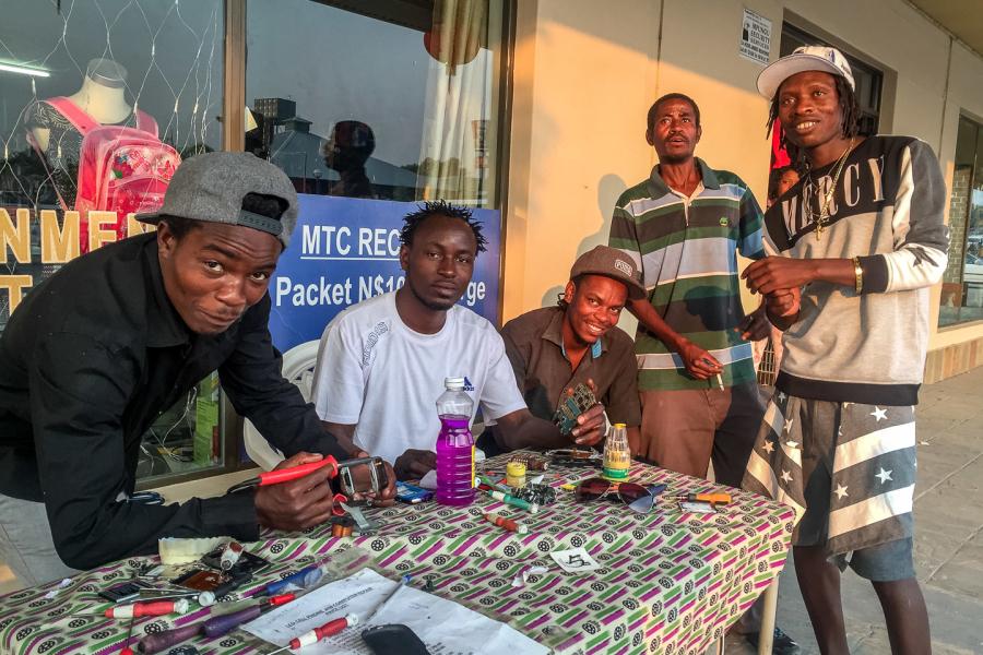 22.-24.7.: Rundu – Professionelle Handyreparatur ;-)