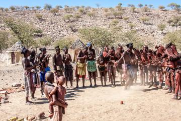 31.7. Himba-Dorf - Tanz