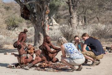 3.8.: Ugab --> Otjiwarongo - Himba-Stand