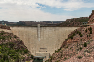 24.7. Flaming Gorge - Dam