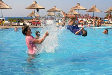 Hotel Alexander Beach: stundenlang waren wir im Pool :-)