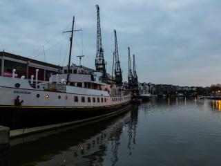 7.4.: Bristol Harbour Walk