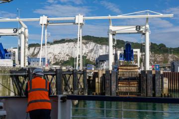 25.7. Calais-Dover