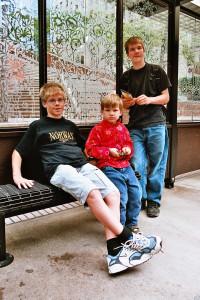 Seattle - die 3 Kids freuen sich, wieder in der Zivilisation zu sein.