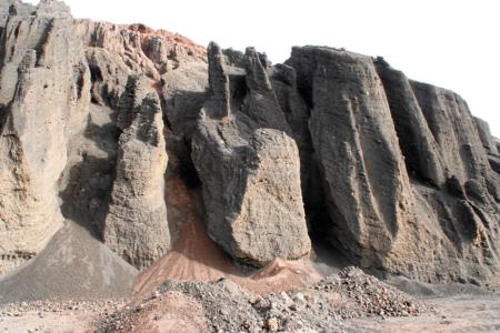 Fuertevenura: Baumaterial von der Caldera de la Laguna