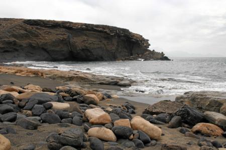 La Pared: Schwarz-Weiß-Spiel von Lava und Gischt