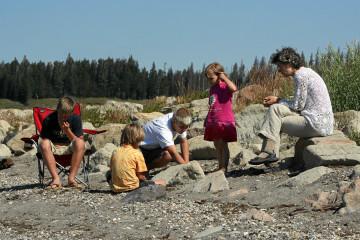 Spielen am Yellowstone Lake