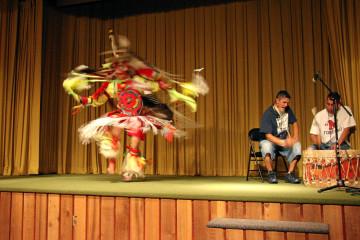 Cody: Indianer-Aufführung