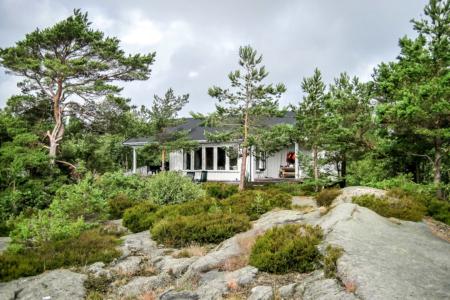 Ferienhaus auf Schärenfelsen