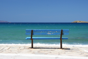 2005: Das Meer, die Bank ... in der Mirabello-Bucht.