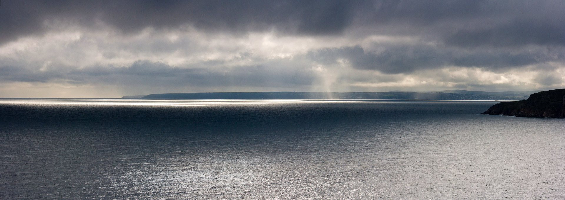 10.8. - Mounts Bay, Beacon Crag, Porthleven