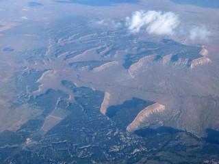 Berge und Wüste auf dem Flug nach Las Vegas