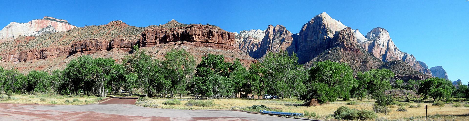 """Zion - Watchman Campground mit dem """"Watchman"""" im Hintergrund"""