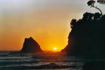 Mendocino: Sonnenuntergang am Strand des Pine Beach Inn.