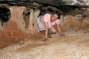 Kraxeln in der Höhle von Milatos