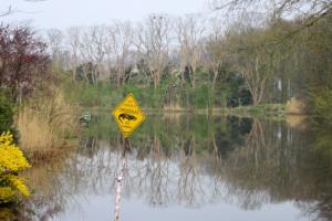 Scherzkeks am Picardie-Kanal
