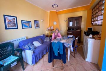 8.10.2020 - Unser Airbnb in Castellammare, Wohnecke