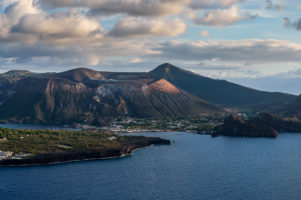 29.10.2020 - Blick auf Vulcano, vom Osservatore, Lipari